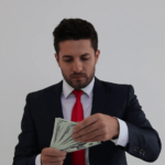 چطور من هم یک شخص موفق و ثروتمند شوم؟