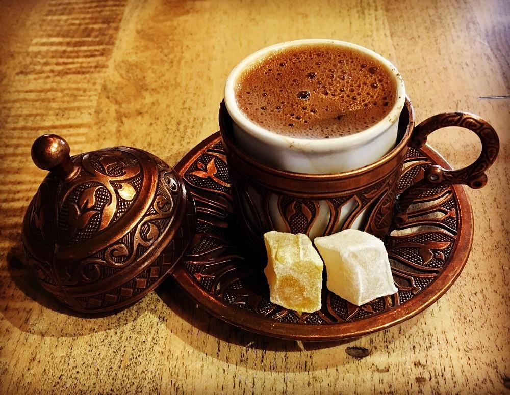 قهوه ترک را به شیوه انجمن تخصصی قهوه ترکیه دم آورید