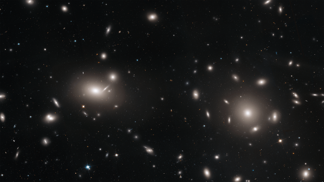 پراکندگی هزاران خوشهی کروی در میان کهکشانهای خوشه گیسو