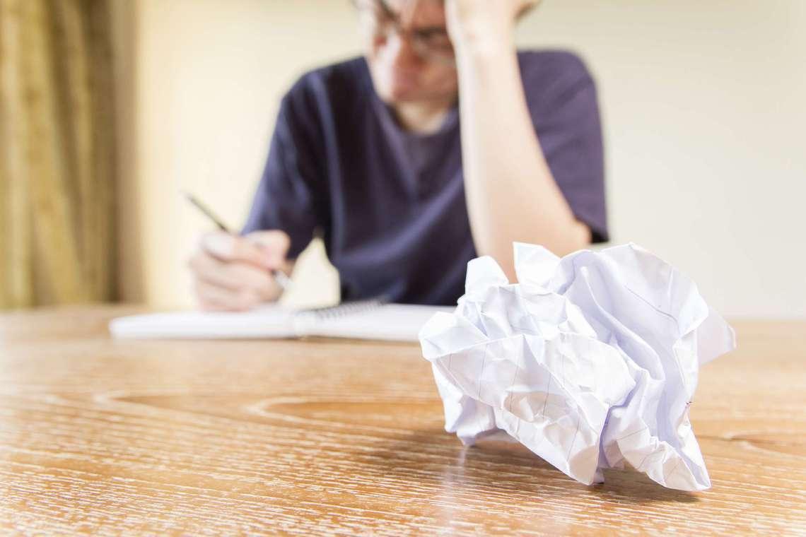 9 روش برای نوشتن رزومهای که استخدام شما را تضمین میکند