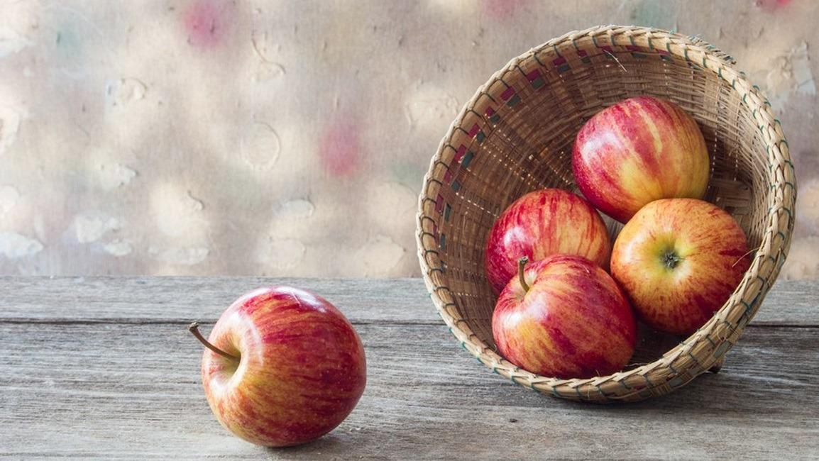 طرز تهیه دسر سیب همراه با کرم لیمو ترش