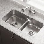 سینک ظرفشویی یا حمام کوچک آشپزخانه