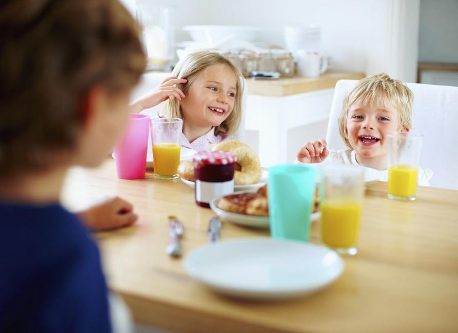 10 روش مناسب براى صرف صبحانه كودكان