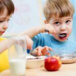فرزندانتان را به صبحانه خوردن عادت دهيد