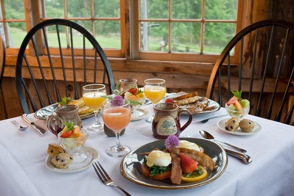 نکاتی چند درباره سرویسدهی و چیدمان میز صبحانه