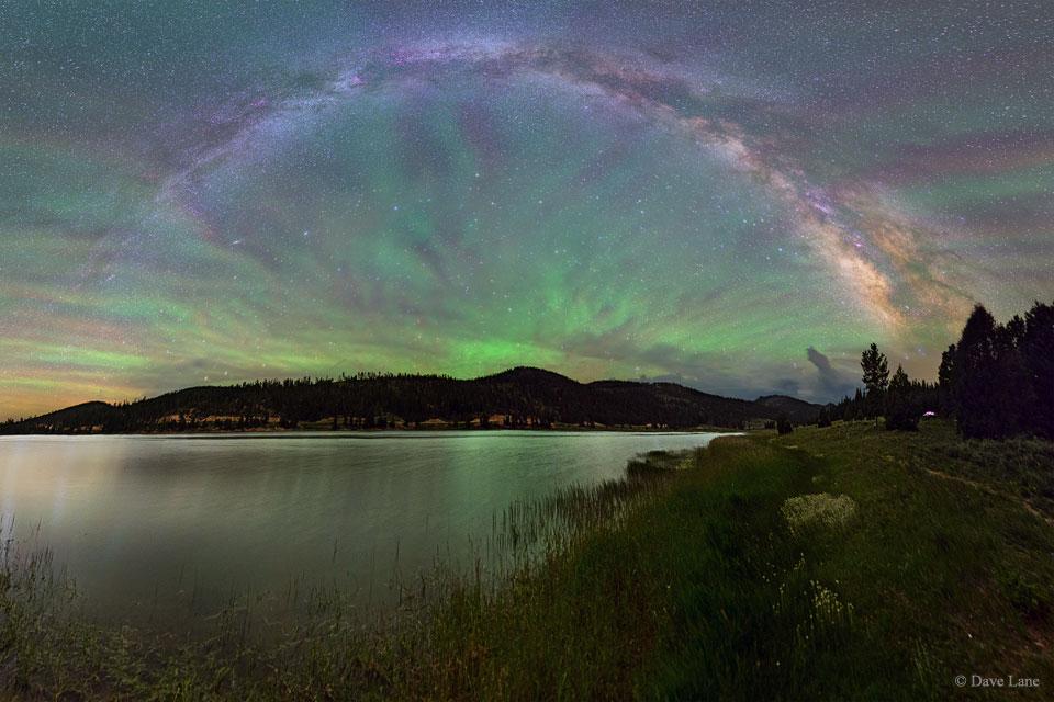 شفق قطبی، هواتاب یا بادبزن سبز در آسمان
