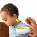 چرا نباید کودک را به غذا خوردن مجبور کنیم؟