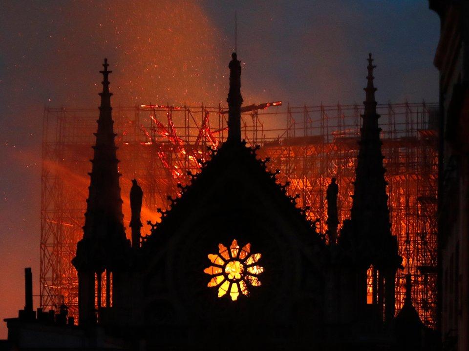آتشسوزی ویرانگر کلیسای نوتردام