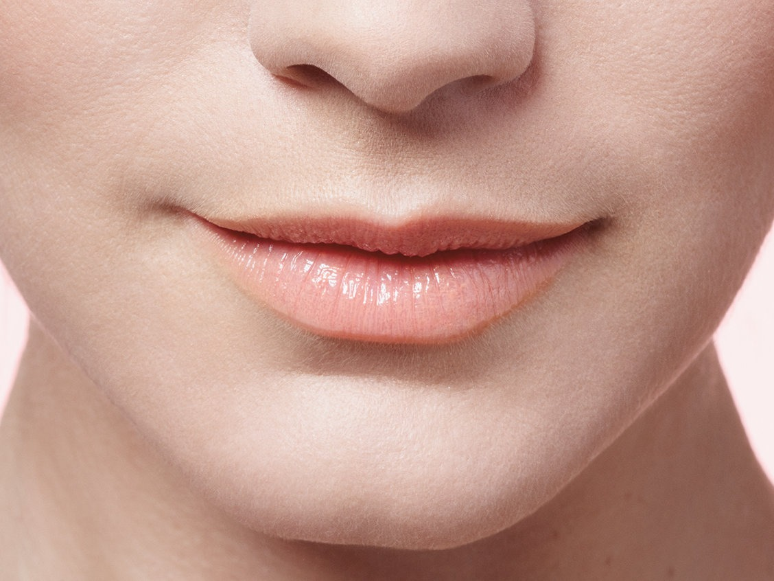 ۱۰ روش خانگی برای خوشرنگ کردن لبها بدون رژ لب