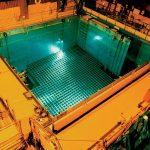 چه میشود اگر درون استخر سوخت هستهای مصرف شده بیفتید؟