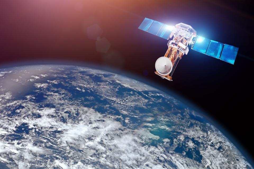 آیا میتوان دنیای بدون ارتباط ماهوارهای را تصور کرد؟