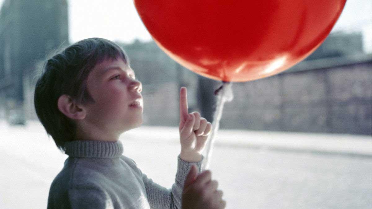 معرفی فیلم سینمایی Le ballon rouge 1956