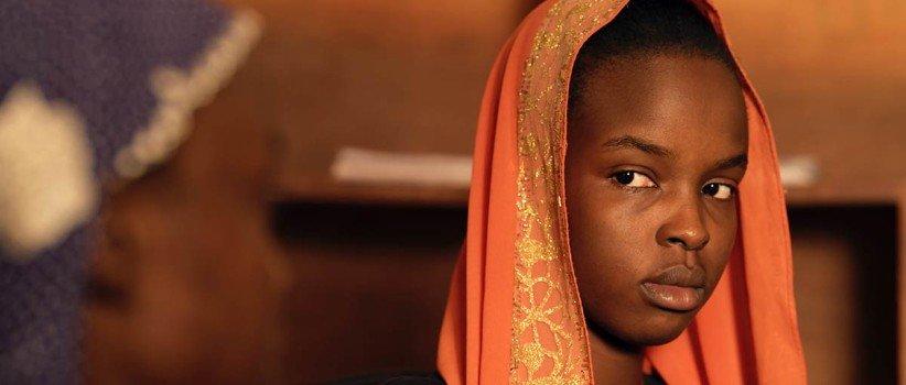 نقدها و نمرات فیلم لینگویی؛ داستانی زنانه از قلب آفریقا (جشنواره کن ۲۰۲۱)